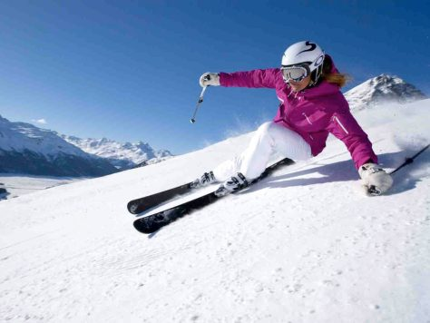 Skifahrer im Skigebiet Corviglia. Foto: © Christof Sonderegger / ENGADIN St. Moritz