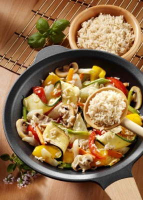 Diät-Rezept: Gemüsepfanne mit Bio Reis Foto: Wirths PR