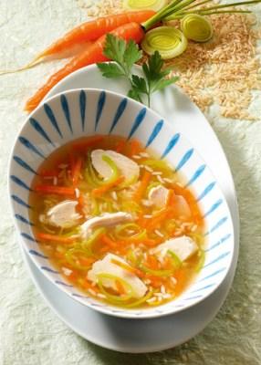 Diät-Rezept: Hühnersuppe mit Reis Foto: Wirths PR