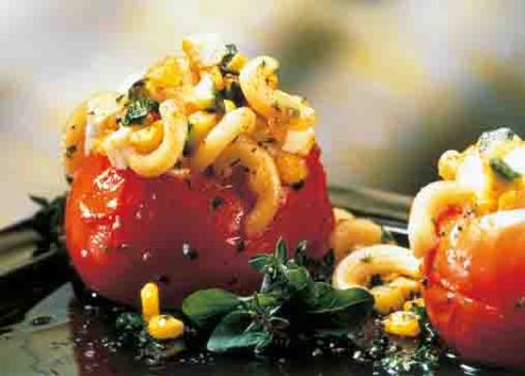 Griechische Rezepte: Überbackene Fleischtomaten Foto: Wirths PR
