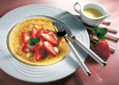 Erdbeer-Pfannkuchen (laktosefrei) Foto: Wirths PR