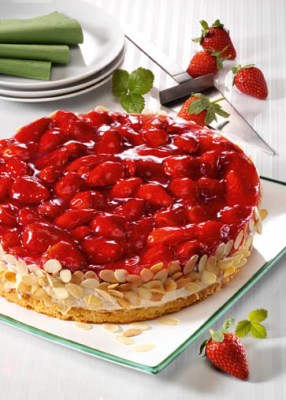 Laktosefreie Erdbeer-Quark-Torte (laktosefrei) Foto: Wirths PR