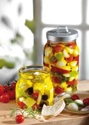 Käse-Rezepte: Feta und Mozzarella in Olivenöl Foto: www.1000rezepte.de