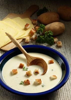Käse-Rezepte: Mecklenburger Käsesuppe Foto: Wirths PR