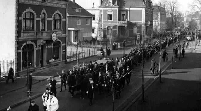 Leichenzug am 13. Februar 1934 anlässlich des Todes von Fabrikant Rudolf Fischer. Foto: Familie Westerhoff