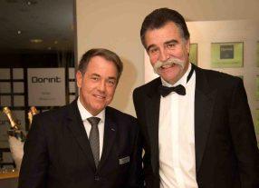 Hoteldirektor Jörg Kraus (links) begrüßt unter anderem Ex-Handball-Bundestrainer Heiner Brand (rechts) Foto: Umut Dogan/Dorint Hotels & Resorts