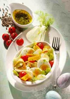 Fenchelsalat mit Ostereiern und Tomaten Foto: Wirths PR