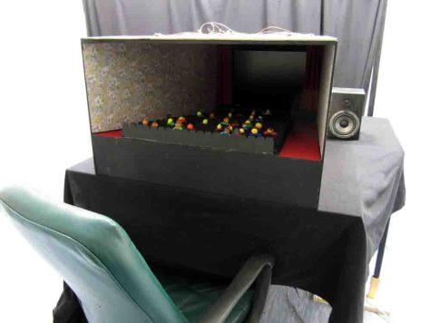 Bild in Originalgröße ansehen Foto: Andreas Baranowski Ansicht des Modellkinos mit einem 24-Inch-Computerbildschirm
