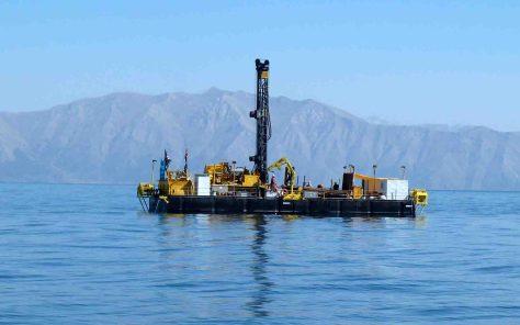 Bohrplattform (Deep Lake Drilling System): Im Sommer 2010 wurde mit ihr im Van-See zehn Wochen lang in Wassertiefen bis 360 Meter gebohrt. Foto: Thomas Litt/Uni Bonn