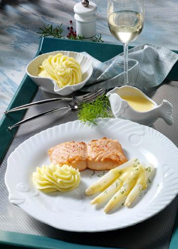 Spargel mit Lachsfilet und Zitronengras-Sauce Foto: Wirths PR