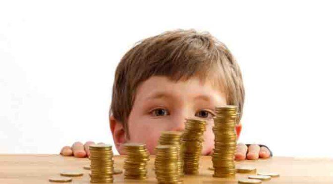Clever vorsorgen: So sparen Familien mit Kind für die Zukunft