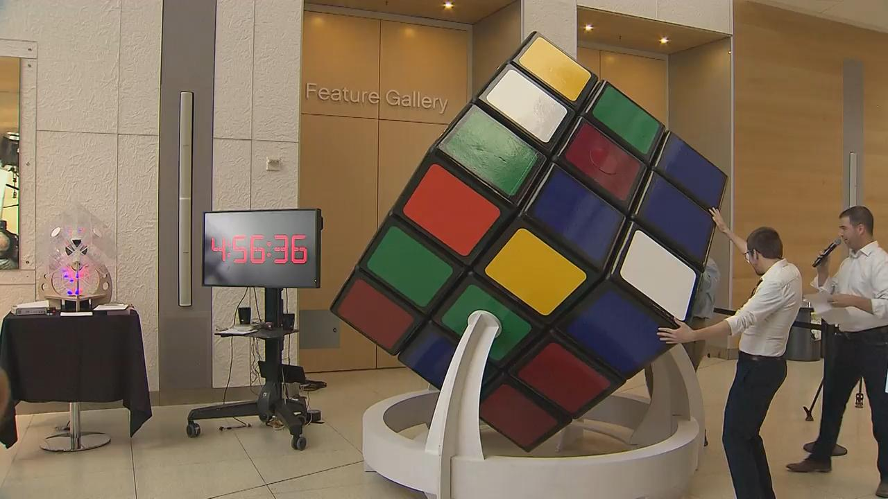 Rubik's Cube Montreal World Record Hopeful Shows Off Colossal Cube At Telus Spark