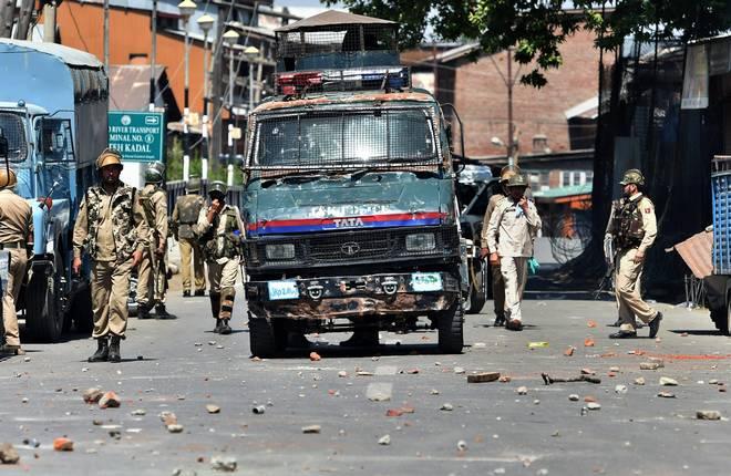 Seven-injured-in-Srinagar-grenade-attacks