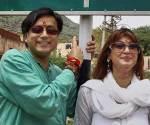 Shashi-Tharoor-n-Sunanda