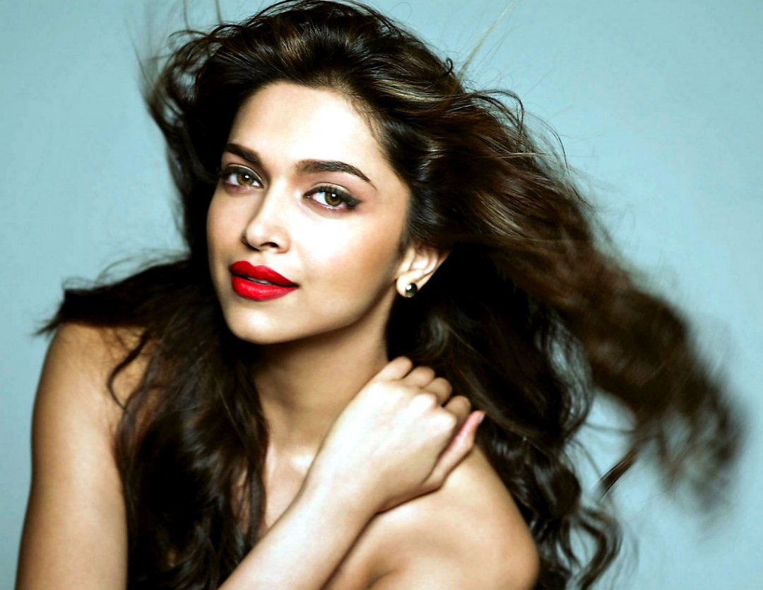 deepika padukone Face HD wallpapers with Flying Hairs ...