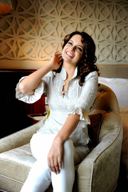 Cute Fruit Wallpaper Kangna Ranaut Indian Actress Hot Wallpapers Pictures Hd