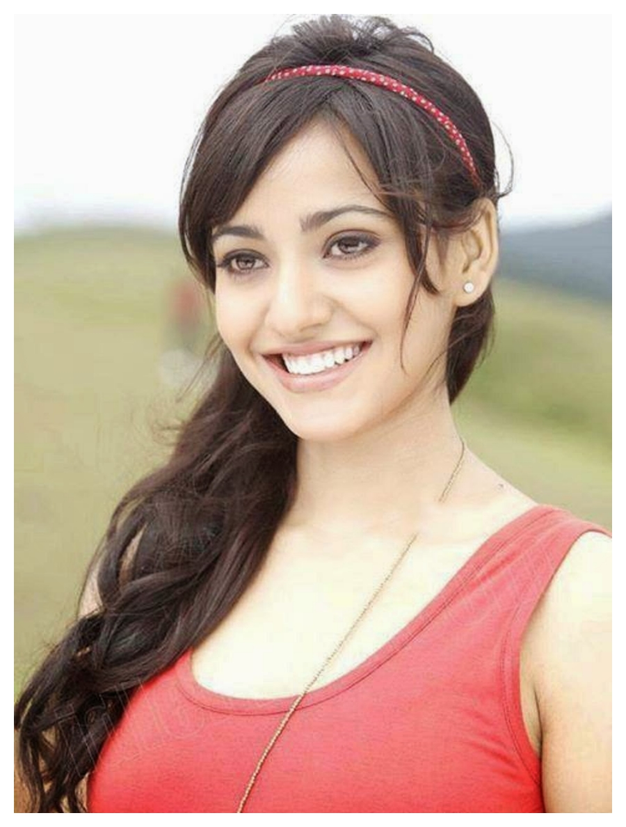 Download Neha Sharma Bollywood Wallpapers | Apps Directories