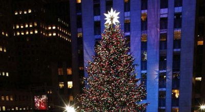 V New Yorku sa rozžiaril vianočný stromček