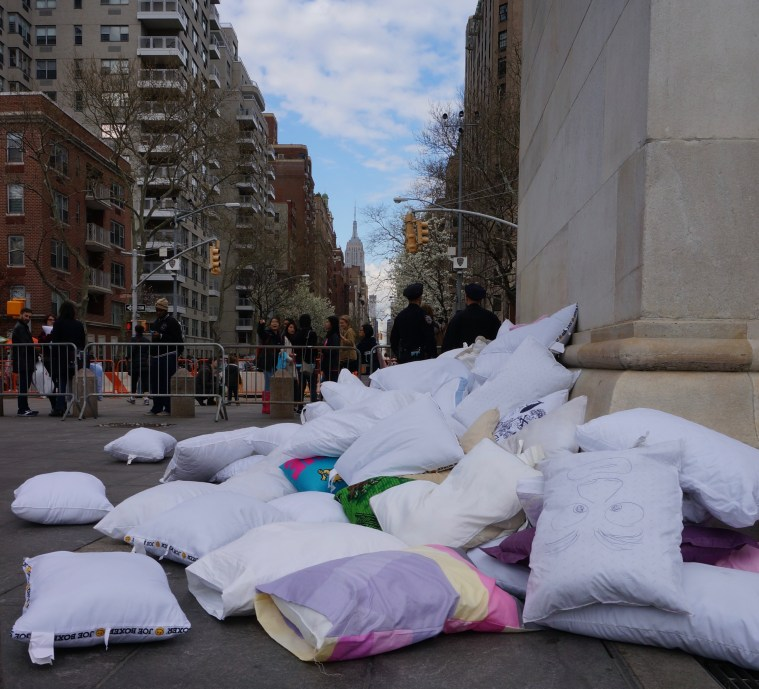 pillow-fight-nyc