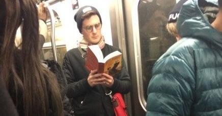 hot-dudes-reading-harry-potter