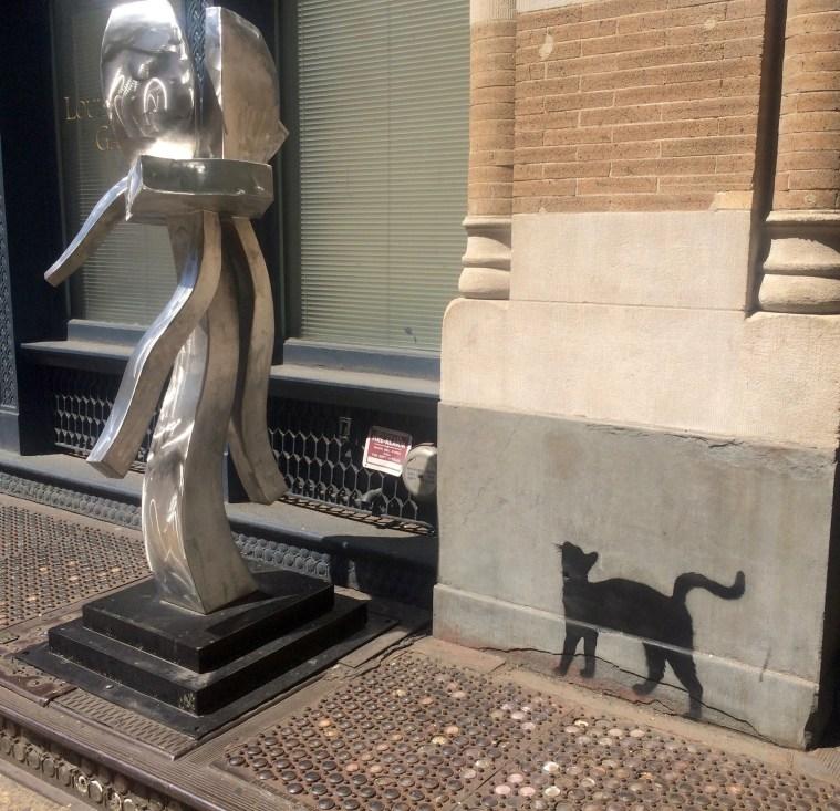 cat street art soho