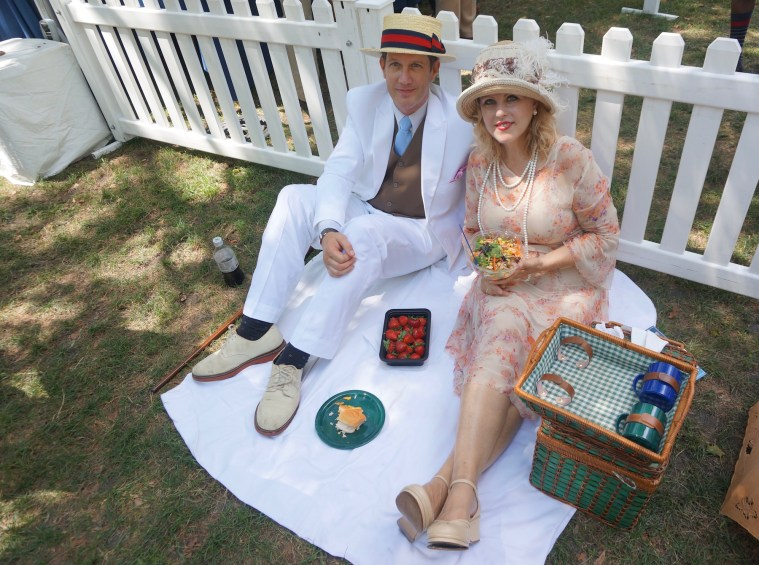 jazz age lawn party picnickers