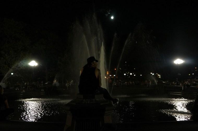 washington square park moon