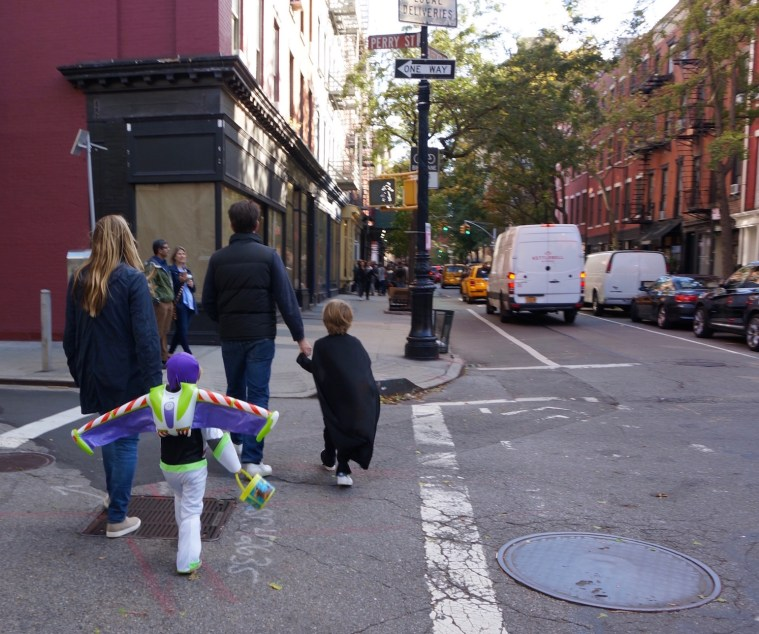 halloween-nyc-trick-or-treating