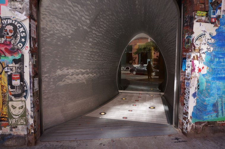 nyc-commes-des-garc%cc%a7ons-store