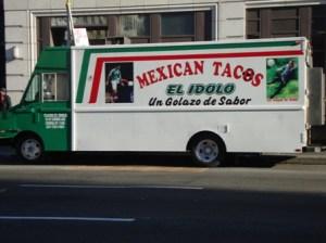 El Idolo taco truck