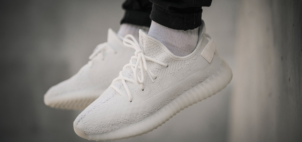 adidas-yeezy-boost-350-v2-cream-white-foot-03