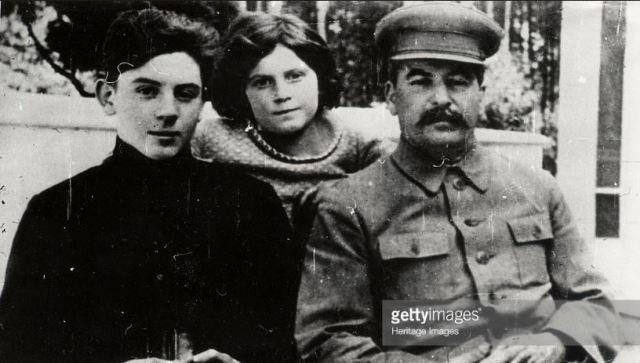 Những điều chưa biết về con trai út của Joseph Stalin