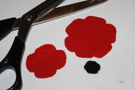 felt poppies for Remembrance Day Tally\u0027s Treasury