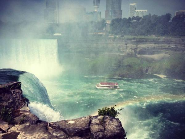 Niagara Falls by Michelle Petrazzoulo