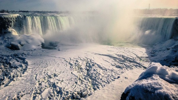 niagara-falls-frozen-solid-wallpaper-4.jpg