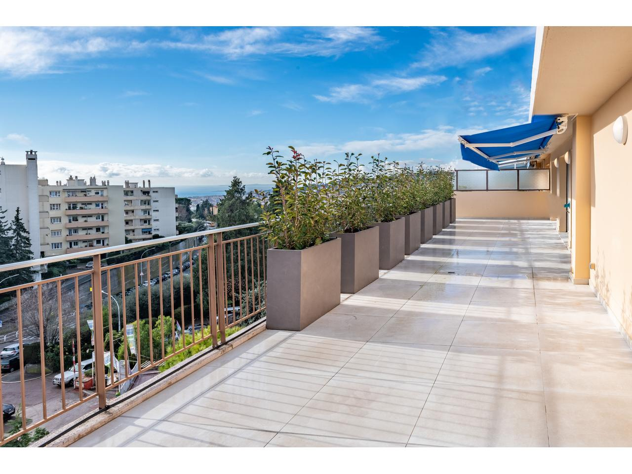 4 Pieces Toit Terrasse Nice Immobilier Nice Vue Mer Appartement Nice Appartement 4 Pieces