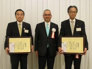左から佐藤博明会長、大門理事長、佐藤博会長