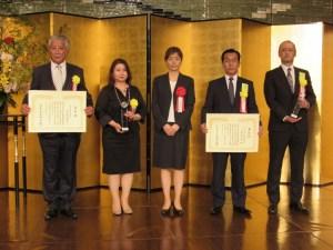 左から池田幸寛、岩佐育美、髙木美香、二橋髙弘、笠井信の各氏