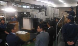 上海COOL UV社製の「UltraCure」を搭載した印刷機の実機デモのようす