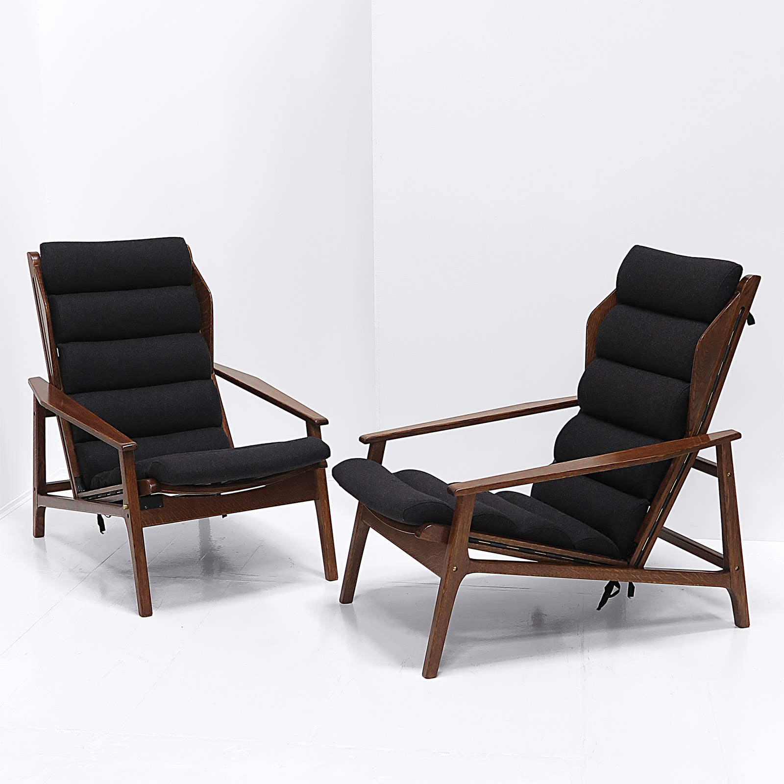 Reclining Lounge Chair Italian Reclining Lounge Chairs Nicholas And Alistair