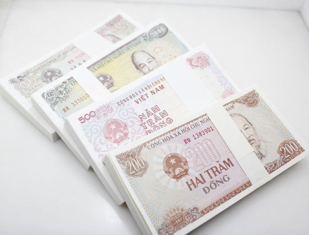 You will receive 50 banknotes from each bundle
