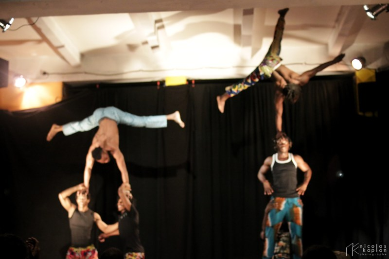 Les Acrobates du Cirque de Guinée à Marseille