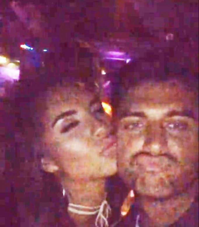 Love Islands Jessica Shears And Mike Thalassitis Get Very Close After Filming Together