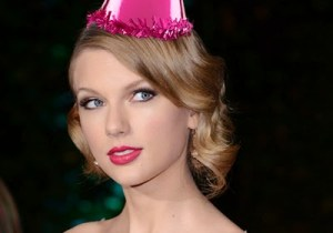 TaylorBdayHat-Post