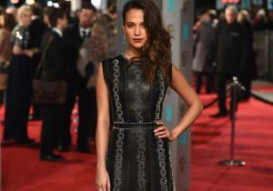 Alicia-Vikander-Louis-Vuitton-Gown-BAFTA-Awards-2016