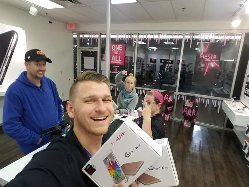 T-Mobile Retail Sales Associate at KCI Wireless - retail sales associate