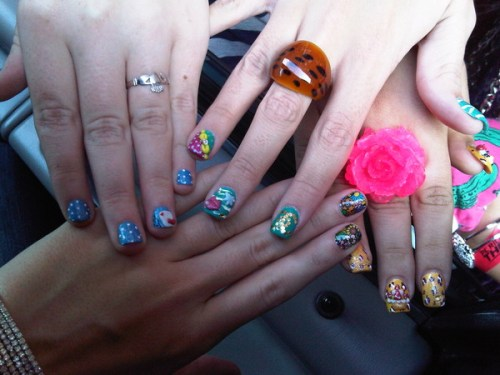 katy-perry-minx-nails-friends