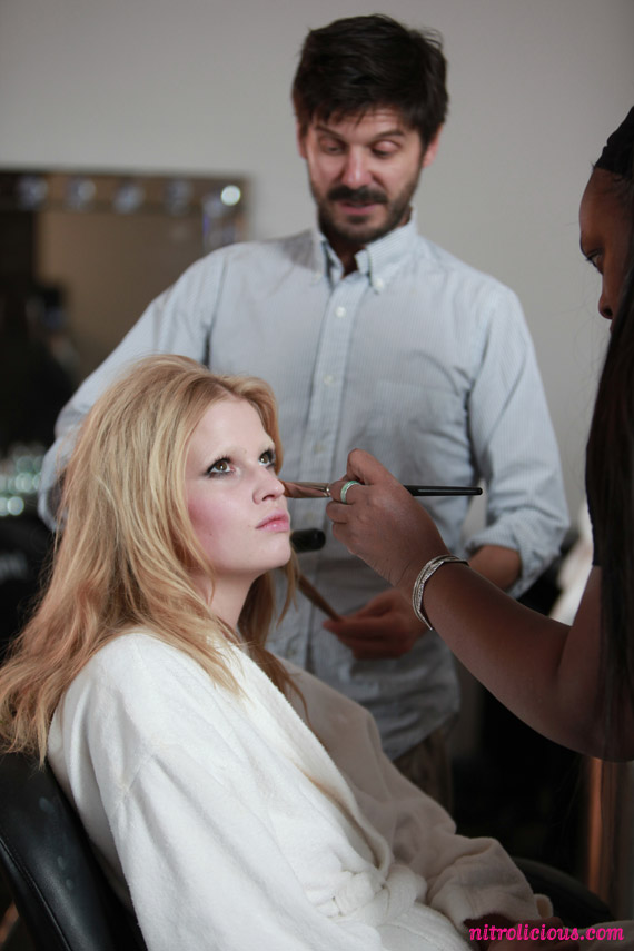 lara-stone-louis-vuitton-behind-the-scenes-06