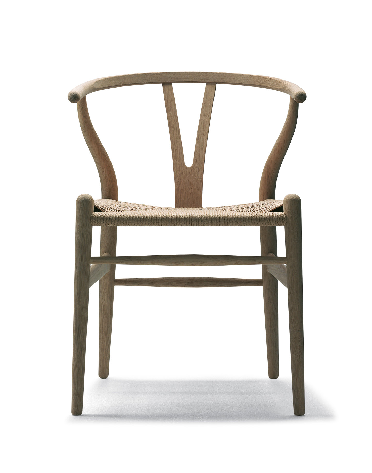Wishbone Stuhl De Stijlvolle Klassieker Ontworpen Door De Ontwerper Hans Wegner Is Nu Bekend Onder Drie Namen Ch24 Y Chair En Wishbone Chair Wishbone Staat In