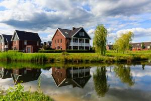 Huissen, Lingewaard, Gelderland, Bouwfonds, nieuwbouw, woonwijk, cityscape, wolkenlucht